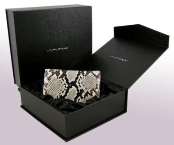 implora gift box2
