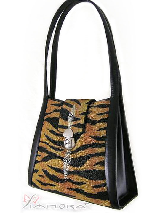 Free Shipping on Stingray Tiger Art Deluxe Shoulder Bag